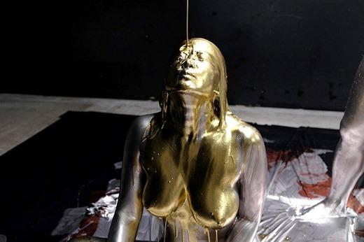 金粉ヌード画像 62