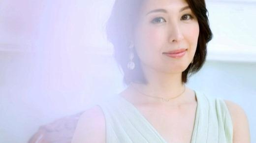 佐田茉莉子 41