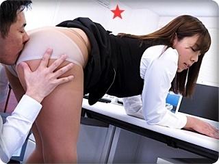 【無】誰もいないオフィスで突然襲われたOL!! 先輩、こんな事したら妊娠しちゃう~!!