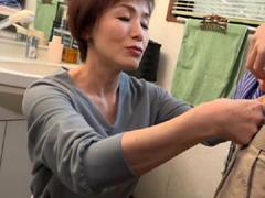 日本の熟女動画 :デリヘル嬢はおばあちゃん 内原美智子