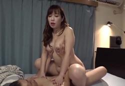【熟痴女】Hな義母に誘惑されて近親相姦中出しSEX!相浦茉莉花2