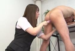 【M男】オフィスでM男苛め 乳首弄り手コキ&バイブ責め逆アナル!山本蓮加2
