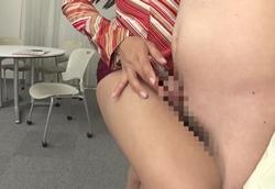 【痴女】タイトミニスカ女社長のパワハラ社員教育ヌルテカOIL太腿コキ!小早川怜子2